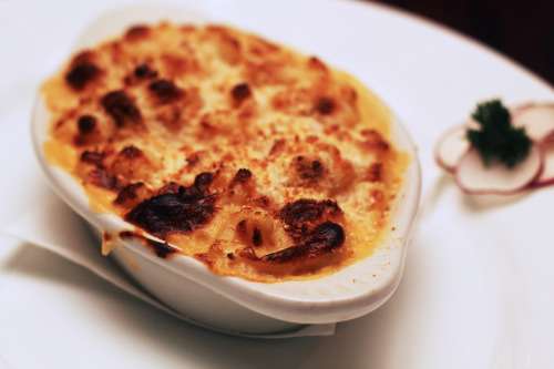 Though known for its drinks, Cavanaugh's serves up deliciously creamy mac and cheese as well.